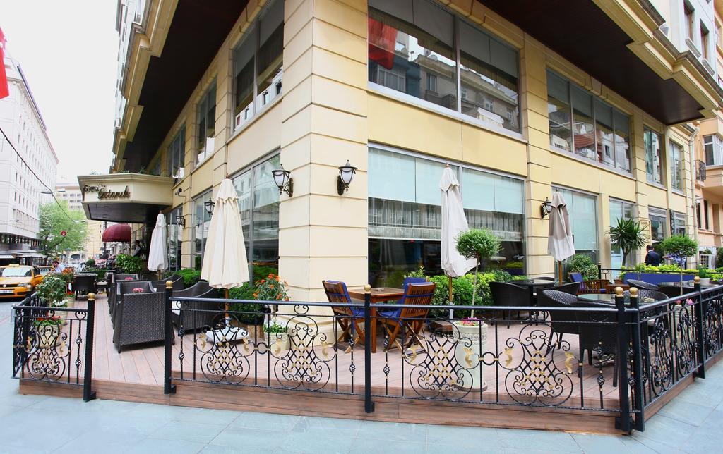 Garden Cafe | The Grand Öztanık Hotel